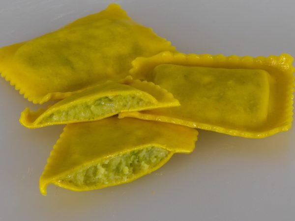 ravioloni spargel
